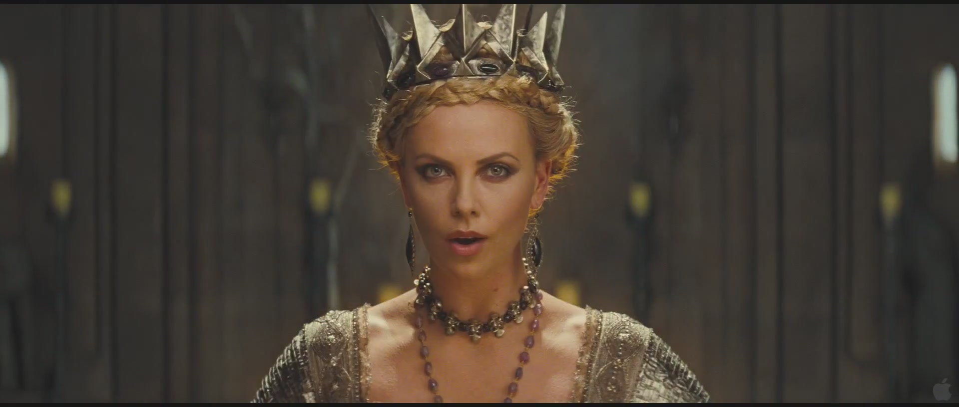 Snow-White-and-the-Huntsman-official-Trailer-1-HQ-charlize-theron-26721454-1920-816
