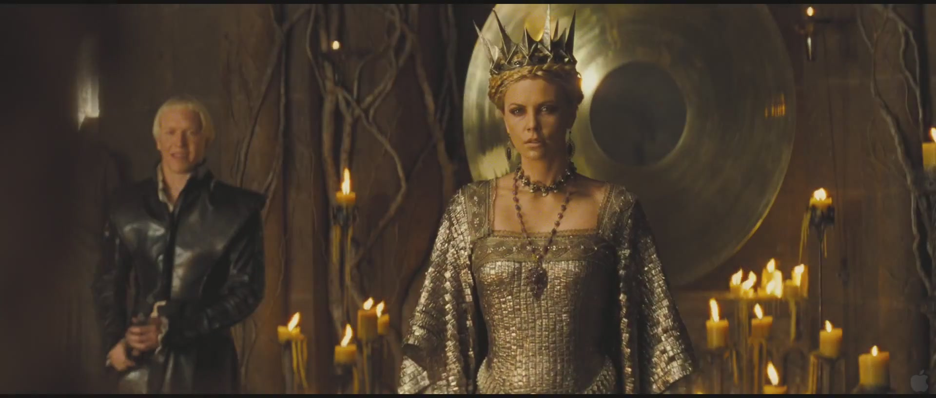 Snow-White-and-the-Huntsman-official-Trailer-1-charlize-theron-26721306-1920-816